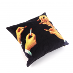 POLYESTER CUSHION WITH PLUME PAD. 'TOILETPAPER' Cm.50x50-LIPSTICKS BLACK