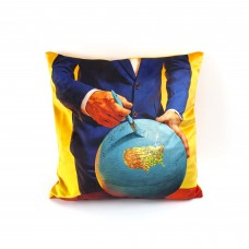 """POLYESTER CUSHION WITH PLUME PADDING """"TOILETPAPER"""" Cm.50x50 - GLOBE"""